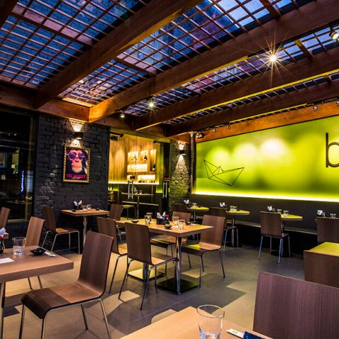 Minimalismo Oriental em Restaurante Japonês